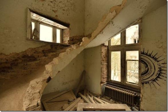 abandoned-castle-belguim-23