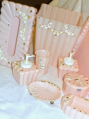 Vintage 9 piece Menda pink bathroom set