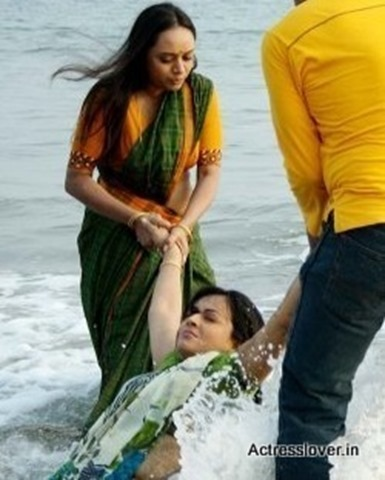 Bengali_actress_Sreelekha_Mitra_Hot_wet_picture (10)