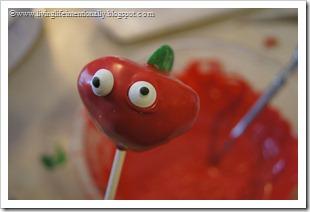 decorate cake pops