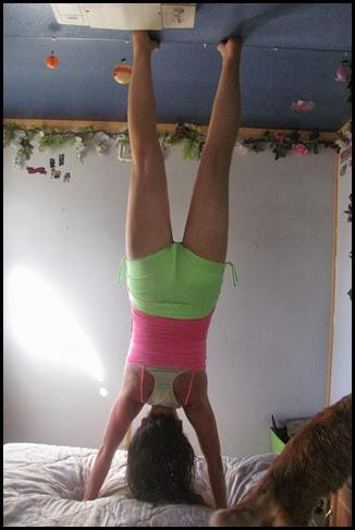 march handstand
