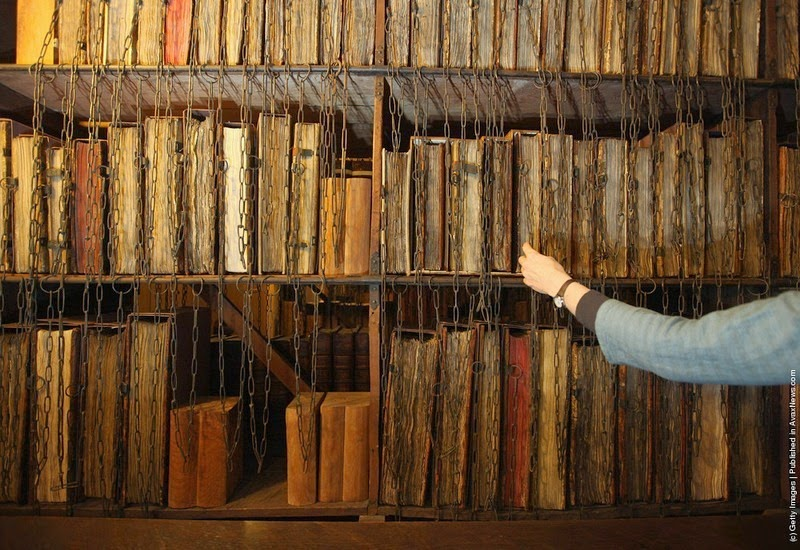 hereford-cathedral-chained-library-3