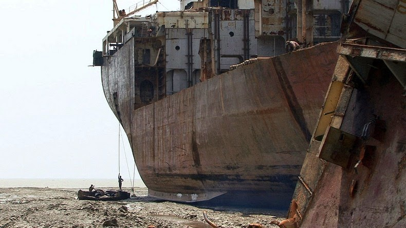 chittagong-ship-breaking-yard-11