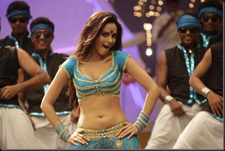 Malika Sherawat munni song stills osthi5