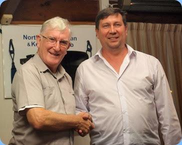 Club President, Gordon Sutherland, thanking Vladimir Shilov for his wonderful Concert. Photo courtesy of Dennis Lyons.