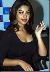 richa-gangopadhyay-hot_