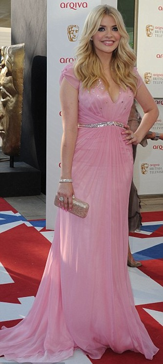 Holly Willoughby Wear Pink Dress