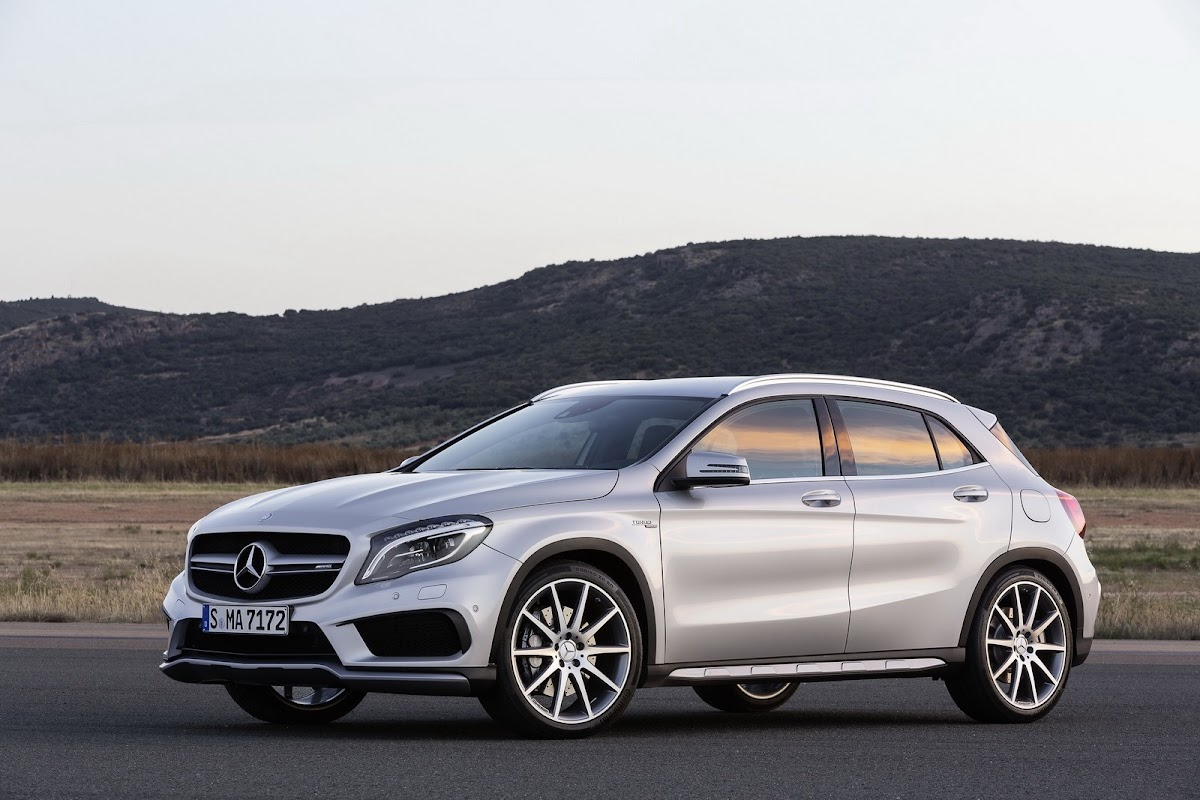 Mercedes benz gla 45 amg x 156 2013