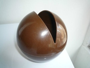 Ball O'Tissue, brown