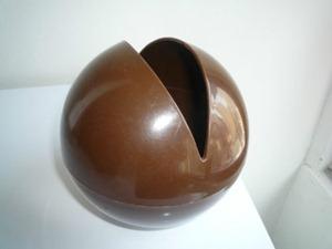 Ball O'Tissue, brown