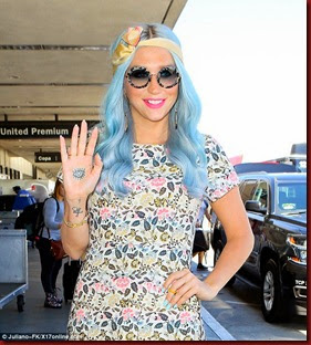 kesha hand tattoo blue hair