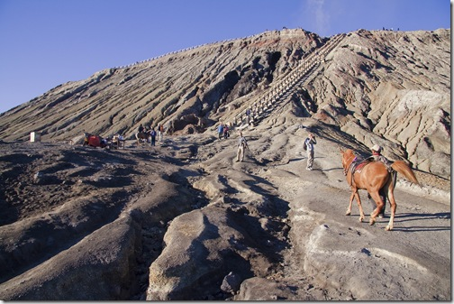 Riding_up_the_volcano_Mount_Bromo