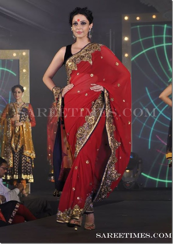Red_Saree_Gitanjali_Fashion_Week