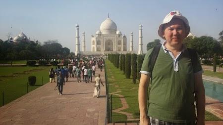 04. Taj Mahal.jpg