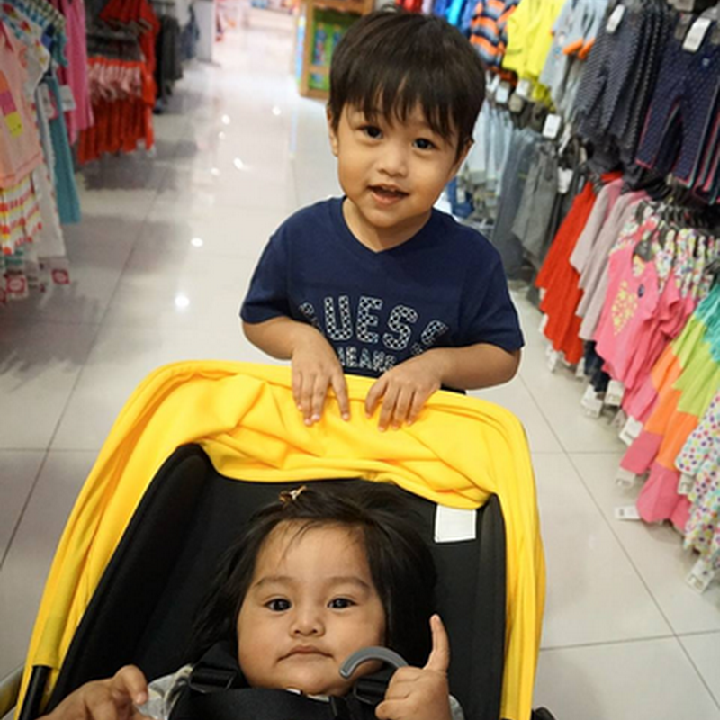 Ragam anak-anak di shopping mall !