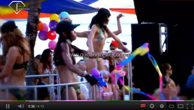 Videos Beach Party Hot Bikini || gudangcewek.com