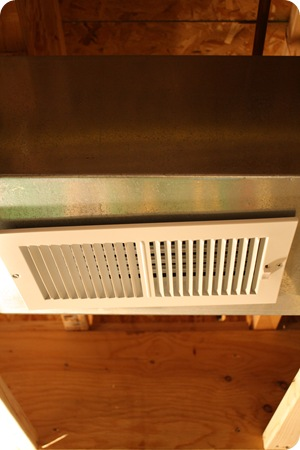 installing heat vent in ductwork
