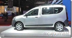 Dacia stand Parijs 2012 09