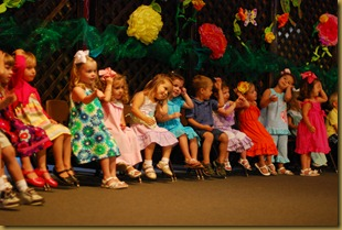 g 2 year old school play (14)