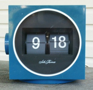 Seth Thomas Speed read cube lite flip clock, blue
