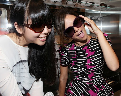 NEW YORK - SEPTEMBER 10:  Fashion blogger Susi Lau and actress Rachel Bilson attend the Sunglass Hut celebration of Fashion's Night Out at Sunglass Hut Flagship on September 10, 2010 in New York City.  (Photo by Roger Kisby/Getty Images for Sunglass Hut)