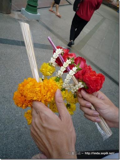 泰國曼谷-四面佛祭拜的香