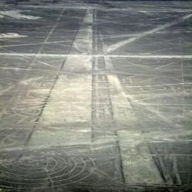 [Nazca_Lines_Air_Lanes-%255B3%255D.jpg]
