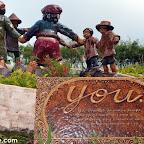 Amazing Kublai statues in Agong House at Kapatagan