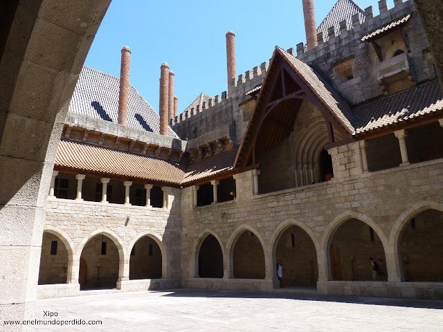 patio-interior-palacio-duques-de-braganza.JPG
