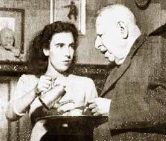 Silvia Croce serve il caffè al padre Benedetto