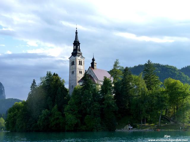 isla-iglesia-del-lado-de-bled-eslovenia.JPG