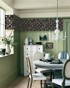 Instead of using a traditional wallpaper border, use a regular roll for a bold visual impact along your molding. (marthastewart.com)