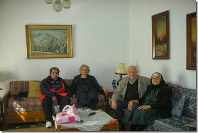 16-2-2014 , στο  σπίτι της  Ελένης  Λιάπη , Κ.Καψάλης, Ελένη Λιάπη, Κων. Λακαφώσης και  αδελφή  της  Ελένης