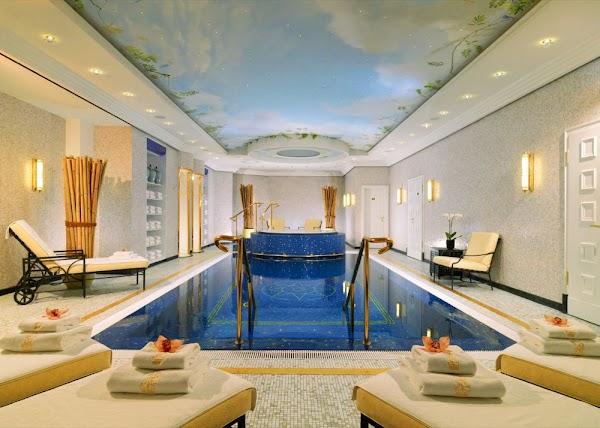64_Pool The Ritz-Carlton Berlin.jpg