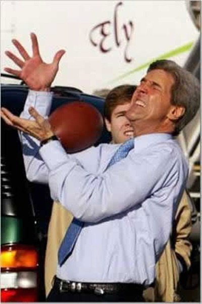 kerry_drop_football