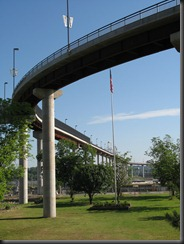 Big_Dam_Bridge_2