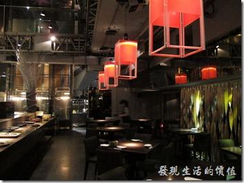台北-三四味屋,大廳及廚房。