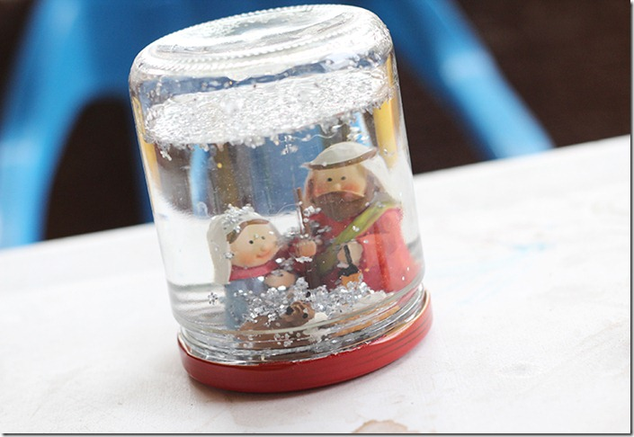Snow globe ready to use