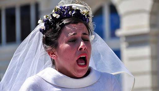 pengantin bersin