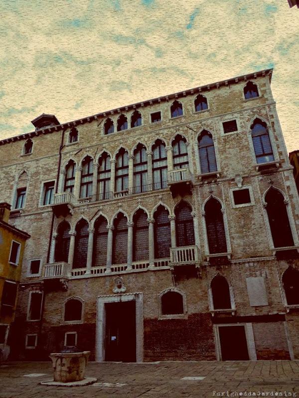 Facciata di Palazzo Fortuny