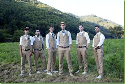 Groomens in vests