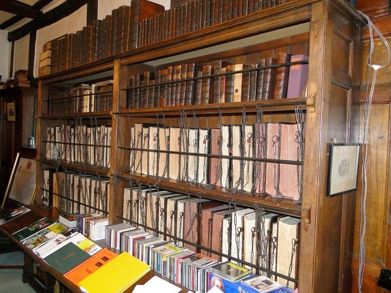 royal-grammar-school-chained-library-1