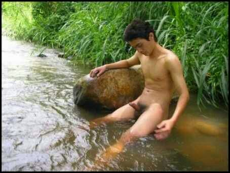 sexy white girl nude selfy