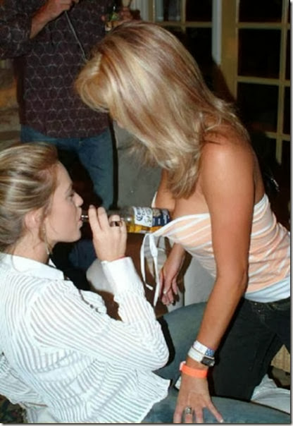 drunk-chicks-party-020