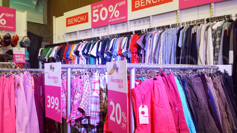 Bench Pink Ribbon Sale 05