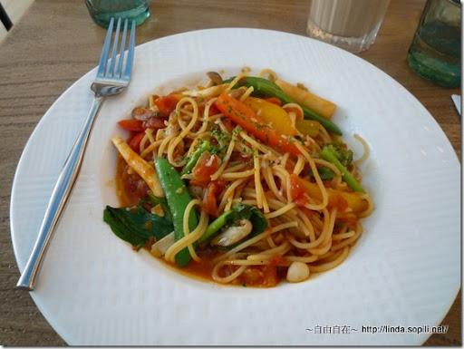 螺絲瑪莉-蕃茄蔬菜義大利麵