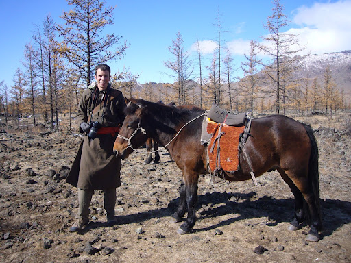 Sporting a del and ready to go with my short-and-sturdy Mongolian horse