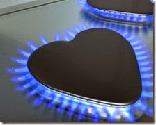 Cala la spesa per luce e gas