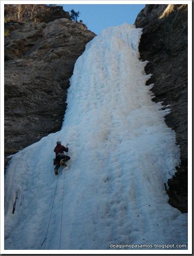 Cascada de Hielo de La Sarra 250m WI4  85º (Valle de Pineta, Pirineos) (Isra) 8174