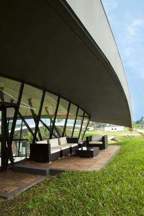 Terraza con muebles de diseño